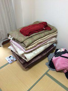 布団の粗大ごみ回収を行いました。