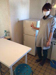 千葉市でテーブルと冷蔵庫を回収しました。